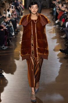Stella McCartney Autumn/Winter 2016-17 Ready-To-Wear