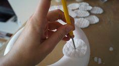 Adventní věnec z odličovacích tamponků | Tvoření a nápady