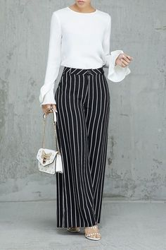 Palazzo Pants Outfit For Work. 14 Budget Palazzo Pant Outfits for Work You Should Try. Palazzo pants for fall casual and boho print. Look Fashion, Fashion Pants, Hijab Fashion, Fashion Outfits, Spring Fashion, Womens Fashion, Stylish Summer Outfits, Classy Outfits, Trendy Outfits