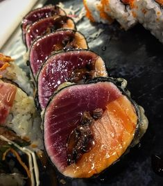 Another dream 🍣🍣💤 power 💥 tuna and salmon with shitake tempura & special terishaki sauce Poke Sushi, Sushi Co, Sashimi Sushi, Asian Recipes, Gourmet Recipes, Healthy Recipes, Japanese Dishes, Japanese Food, Japanese Gardens