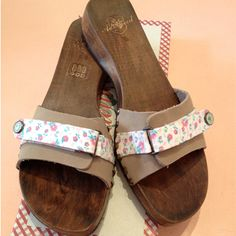 Wooden Sandals, Slip On, Flats, Shopping, Shoes, Fashion, Clogs, Leather, Loafers & Slip Ons