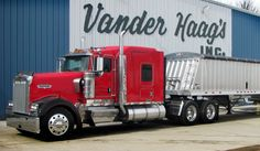 Tips for Beginning Your Career as a Truck Driver - http://snydertrucking.org/tips-for-beginning-your-career-as-a-truck-driver/