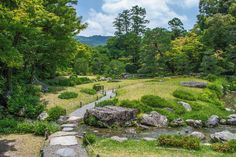 Strolling gardens in Higashiyama area of Kyoto | Exploring the captivating beauty of Japan, its culture, & its people