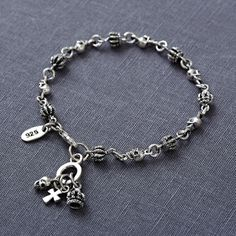 Silver crown and skull chain Bracelet