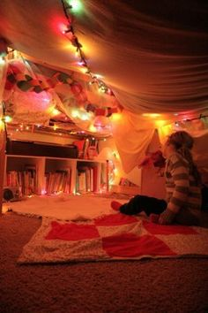 Fort ❤️  Perfect hideout. everything you need - lights /books.