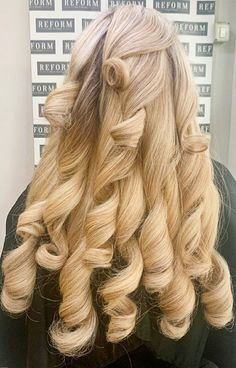 Korean Hairstyles Women, Redhead Hairstyles, Loose Curls Hairstyles, Asian Men Hairstyle, Pretty Hairstyles, Wedding Hairstyles, Japanese Hairstyles, Asian Hairstyles, Men Hairstyles