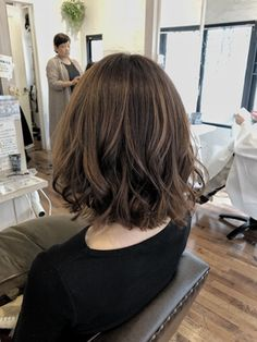 Medium Permed Hairstyles, Haircuts For Medium Hair, Medium Hair Cuts, Bob Hairstyles, Medium Hair Styles, Curly Hair Styles, Korean Short Hair, Shot Hair Styles, Hair Arrange