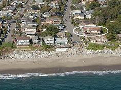 Spacious 2 Story Home Next to Beach & Great Views of Monterey Bay