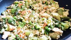 Salmon & spring vegetable risotto Weight Loss Eating Plan, Easy Weight Loss, Free Meal Plans, Evening Meals, Mediterranean Style, Everyday Food, Eating Plans, Risotto, Meal Planning