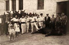 plaza  de  toros-Mozos y mulillas - Pamplona