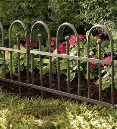 Metal Garden Fences Bring More Style To The Outdoor Area