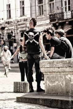 Punk guys, I need one Crust Punk, Grunge, Gothic, New Wave, Visual Kei, Rockabilly, Punk Mohawk, Punk Guys, God Save The Queen