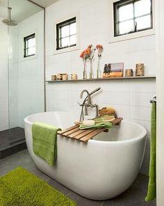 Desejo da noite: um banho quentinho e uma música para relaxar  #designdeinteriores #boanoite #home #homesweethome #banheiro #decore #inspiration #inspiração #mobly #moveisplanejados #moblybr #homedecor #magnifique #relax #music #wc #nigth