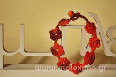 tiny flowers crochet bracelet