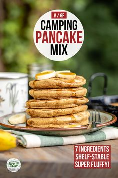 Vegan Camping Pancake Mix This shelf-stable pancake mix is the perfect camping breakfast! It's fluffy and delicious, but also Vegan, Gluten-Free, and made from 6 healthy ingredients. Camping Pancakes, Camping Breakfast, Breakfast Recipes, Vegan Breakfast, Pancake Recipes, Gluten Free Pancakes, Vegan Pancakes, Van Camping, Camping Meals