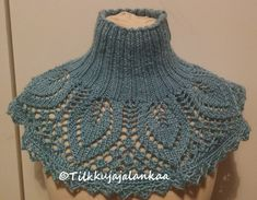 Tilkkuja ja lankaa: Pitsikauluri Knitting Paterns, Crochet Poncho Patterns, Crochet Scarves, Crochet Clothes, Knit Crochet, Crochet Hats, Knit Dishcloth, Beautiful Crochet, Neck Warmer