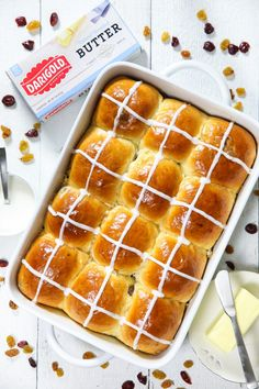 Brioche Hot Cross Buns Recipe VIDEO: Warm fluffy sweet rolls made with dried cranberries and raisins. Serve these brioche hot cross buns toasted with salted butter for an Easter morning treat! Cross Buns Recipe, Bun Recipe, Hot Crossed Buns Recipe, Fluffy Buns Recipe, Baking Recipes, Dessert Recipes, Recipes Dinner, Sweet Roll Recipe, Best Bread Recipe