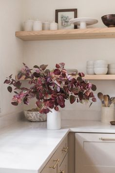 Create a stunning display of fall leaves this season, perfect for any space. Whether you're entertaining or simply just looking to refresh your space for fall, these artificial fall leaves are the perfect finishing touch. Shop this look by @jennasuedesign at Afloral.com.