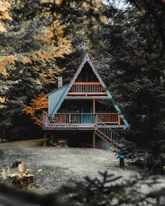 """10.7k Likes, 81 Comments - The Cabin Chronicles™ (@thecabinchronicles) on Instagram: """"@kylefinndempsey with a late autumn fairytale #huckscabins"""""""