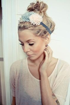 adorable.. not sure i could pull the headband off, but i do love. this is a good look for 2nd day hair :)