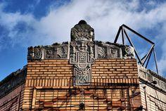Crazy Mayan Art Deco Roofline Fenkell Detroit 2/09 by Detroit Liger, via Flickr