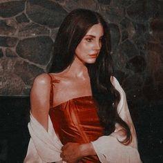 Mona Lisa, Celebrities, Artwork, Icons, Lana Del Rey, Celebs, Work Of Art, Auguste Rodin Artwork, Foreign Celebrities
