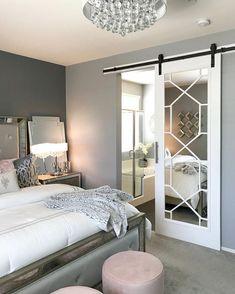 Bedroom Design: Turn Your Master Bedroom into a Relaxing Haven! Closet Bedroom, Home Bedroom, Bedroom Decor, Master Bedrooms, Bedroom Ideas, Basement Master Bedroom, Bedroom Small, Master Closet, Closet Space