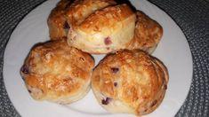 Lilahagymás pogácsa Hamburger, Muffin, Bread, Breakfast, Food, Morning Coffee, Brot, Essen, Muffins