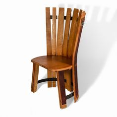 Made from the staves and head of a wine barrel, this original chair is perfect for putting in gardens, wine cellars, rural restaurants, etc.