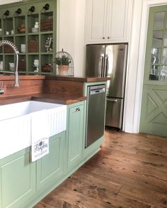Green Kitchen Cabinets– Green is actually absolutely a lovely shade for your home kitchens. Green Kitchen Cabinets, Refacing Kitchen Cabinets, Farmhouse Kitchen Cabinets, Modern Farmhouse Kitchens, Country Kitchen, Home Kitchens, Corner Cabinets, Home Decor Kitchen, Kitchen Furniture