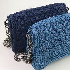Shades of blue💙 Summer Essentials, Merino Wool Blanket, Chanel Boy Bag, Shades Of Blue, Spring Summer, Urban, Shoulder Bag, Queen, Bags