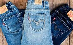 Outfits con jeans. Outfits con pantalones Levis. Cómo llevar unos pantalones vaqueros. Ideas de look casual. Jeans, Outfits, Shorts, Fashion, Ripped Jeans, Blue Jeans, Moda, Suits, Fashion Styles