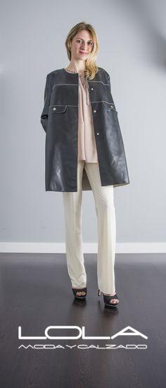 Tu compañero en las tardes de primavera. Abrigo de piel TWIN SET.  Pincha este enlace para comprar tu abrigo en nuestra tienda on line:  http://lolamodaycalzado.es/primavera-verano/557-abrigo-de-verano-en-piel-negro-twin-set.html