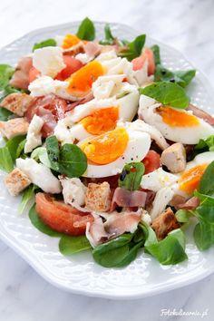 Chicken, Black Forest Ham, Egg and Mozzarella Salad. Mozzarella Salad, Caprese Salad, Cobb Salad, Black Forest Ham, Prosciutto, Salad Recipes, Salads, Vegetarian, Fresh