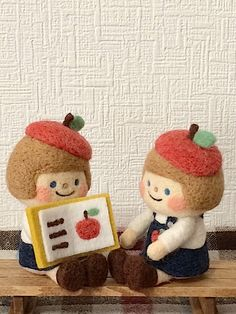 chai 羊毛フェルト needle felted dolls with apples