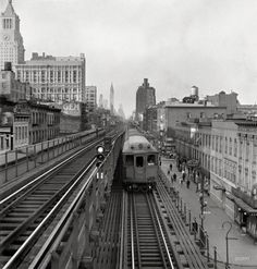 Ninth Street Station on the Third Avenue El, NYC: September1942.