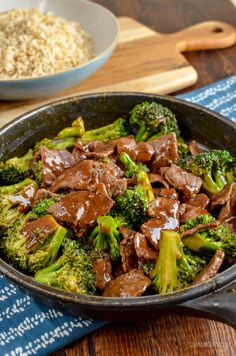 Delicious Low Syn Ginger Beef and Broccoli, just like from the Chinese and ready in minutes quicker than you could call a take out. Dairy Free, Gluten Free, Slimming World and Weight Watchers friendly | www.slimmingeats.com #slimmingworld #weightwatchers #glutenfree #dairyfree