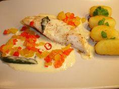 Das perfekte Filet vom Zackenbarsch mit Zitronen-Salbei-Sauce-Rezept mit einfacher Schritt-für-Schritt-Anleitung: Die Paprika mit dem Gemüseschäler…