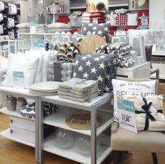 MELISSA-torkkupeitteet ja TÄHTI-tyynyt Rovaniemen myymälässä. #sisustus #sisustaminen #sisustusinspiraatio #askohuonekalut #sisustusidea #sisustusideat
