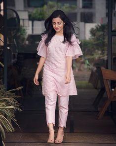 New Image : Salwar designs Kurti Sleeves Design, Sleeves Designs For Dresses, Dress Neck Designs, Stylish Dress Designs, Sleeve Designs For Kurtis, Stylish Kurtis Design, Salwar Designs, Kurti Neck Designs, Kurta Designs Women