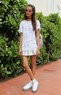 Gizele Oliveira - Forever 21 T Shirt, Romwe Skirt, Asos Sneakers, Topshop Sunglasses - Dinos and holographic skirt