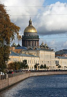 Admiralty Embankment ~ or Admiralty Quay is a street along the Neva River in Central Saint Petersburg, named after the Admiralty Board. Here you will find some of the city's most important 18th century architectural masterpieces, including the Academy of Arts and the Winter Palace of Empress Elizabeth. #St_Peterspurg #Admiralty_Embankment