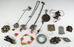 LARGE LOT OLD CHINESE JEWELRY PINS NECKLACES ROBE FITTINGS WOOD SILVER GOLD ETC