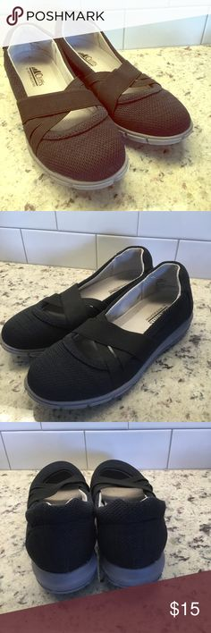 6f8c3070c6a656 Cliffs by White Mountain Slip-on Active Loafers Navy fabric w black elastic  support straps