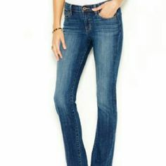 Lucky Brand Sundown Straight jeans New...only tried on once.30 inch inseam,low rise Lucky Brand Jeans Straight Leg
