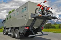 Austrian company Action Mobil specializes in making top class (and big-ass) 4X4 and 6x6 motor homes, such as the tough Globecruiser($ request) - a world Overland Truck, Overland Trailer, Expedition Vehicle, Off Road Rv, Off Road Camper, Truck Camper, Motorhome, Luxury Campers, Off Road Wheels