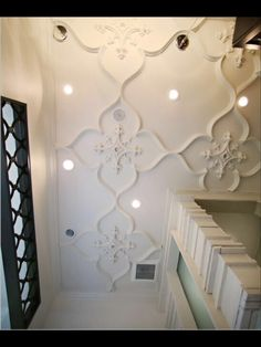 . Ceiling Ideas, Ceiling Decor, Gypsum Ceiling Design, Mandir Design, Coffered Ceilings, Duck House, Bedroom Ceiling, Spanish House, Ceiling Medallions