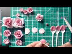 Making Sugar Flowers: Cupcake Fondant Roses ( No Cutters!)