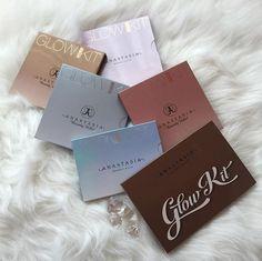 Anastasia Beverly Hills' Glow Kit's and Moon Child palettes Makeup Goals, Makeup Inspo, Makeup Inspiration, Makeup Ideas, Skin Makeup, Beauty Makeup, Sephora, Piel Natural, High End Makeup