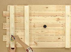DIY : Réaliser une tête de lit en bois | Leroy Merlin